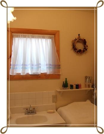 洗面所のカーテン2