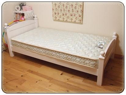 娘のベッド