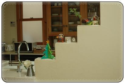 キッチン飾り棚に5