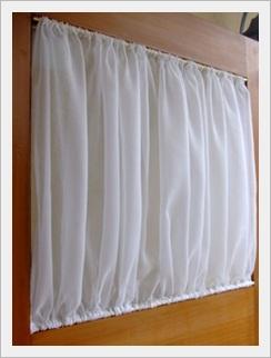玄関ドアのカーテン