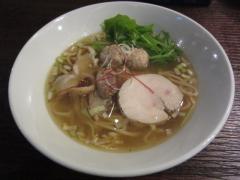 麺や 而今(じこん)【六】 ~8月25日から煮干の効いた限定「白醤油そば」発売♪~-3