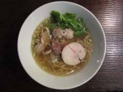 麺や 而今(じこん)【六】 ~8月25日から煮干の効いた限定「白醤油そば」発売♪~-4