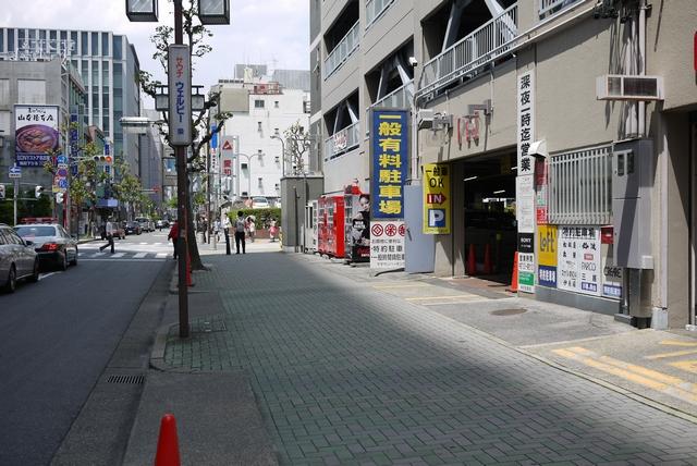 ヤマサンパーキング出入口02