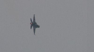 F-2 旋回中
