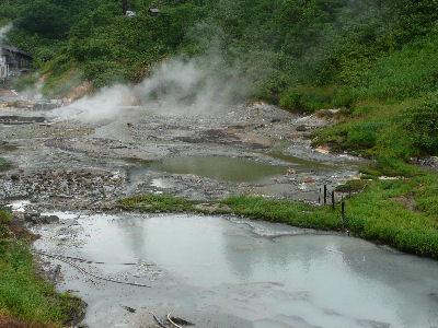 温泉のわく谷