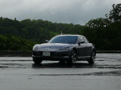 RX-8と雨上がりの八幡平の大沼