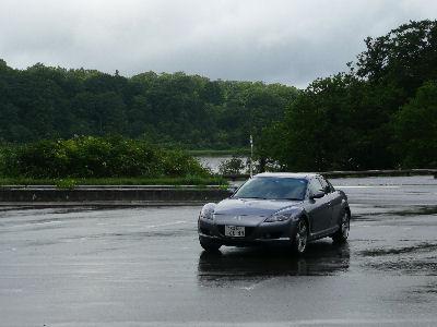 マツダRX-8と雨上がりの八幡平の大沼