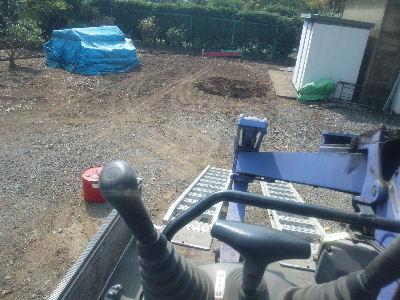 タキセ製作所レイアウトにてボンゴにユンボを載せる