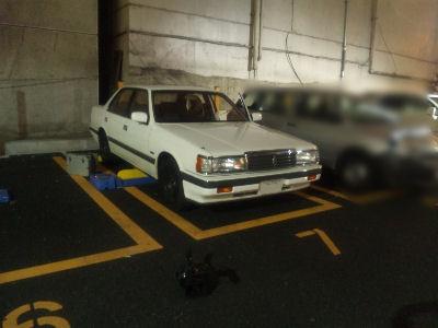 ルーチェと銀座6丁目の夜の駐車場