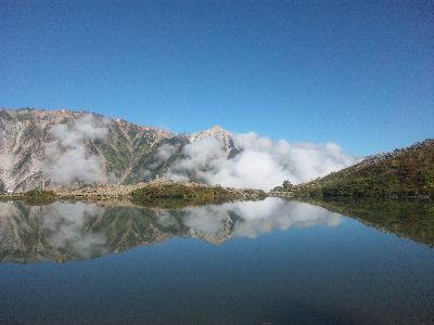 八方池と白馬山