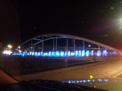 これは、小海のイルミネーションの橋