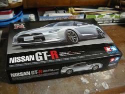 タミヤのカーモデルを組むのは数年ぶり