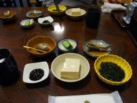 こだわり豆腐、海藻酢の物、小鉢