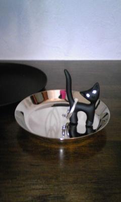 ネコのリングホルダー
