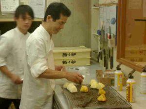 091002粉と卵・キッチン