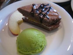 デザート盛合わせ チョコレートケーキ・抹茶アイス・林檎
