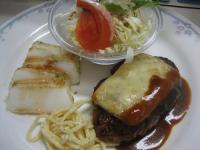 ハンバーグチーズ焼き&イカのバター焼き 梅ソース