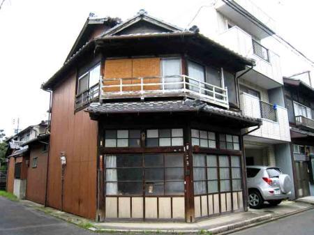六角形っぽい建物2