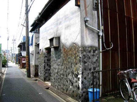 タイルばりの建物2