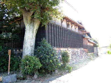 道風博物館近辺の黒壁の家