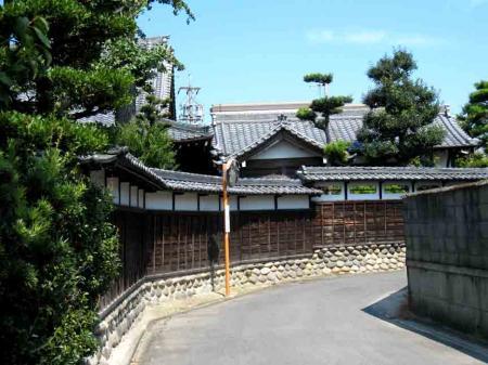 清洲城付近極楽寺の壁