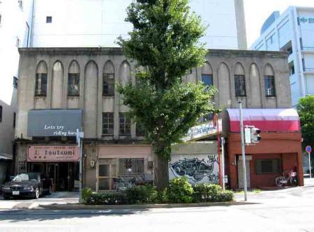 丸の内の古風な建物お店に使用