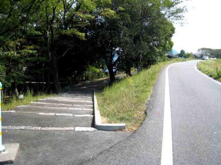 高牟神社周辺 道路と階段