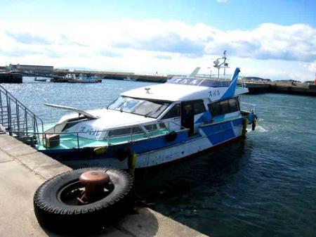 日間賀島への船