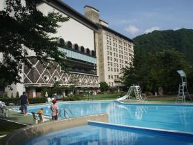 松の井プール
