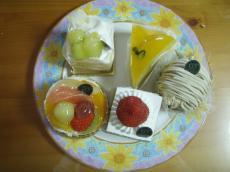 新宿高野のケーキ1