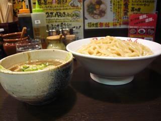 日の出ラーメン(つけ麺横)