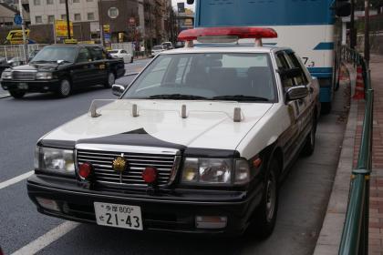 警視庁セドリックPC。