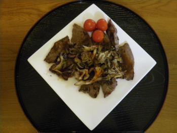 肉と舞茸の炒め物