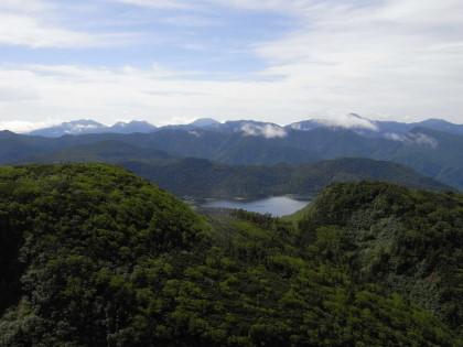 尾瀬沼と奥日光の山々