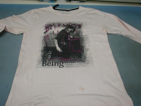ピンクTシャツ20111006前1