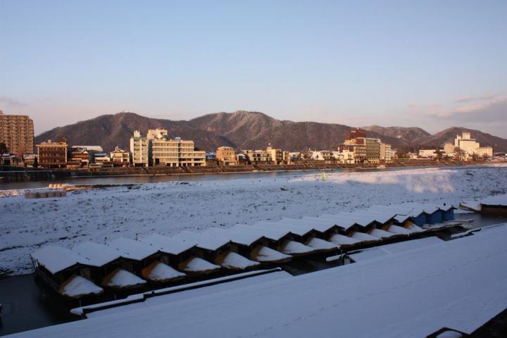 雪の鵜飼乗船場9
