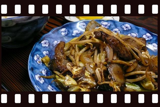 田舎館村 駅前食堂 サガリ野菜炒め定食 グルメ
