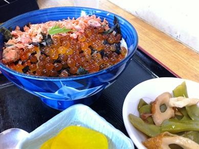 二食丼(まぐろ・鮭)