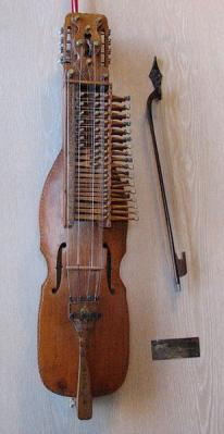 309px-Nyckelharpa_built_by_Eric_Sahlstrom.jpg