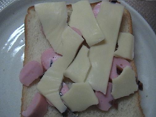 ソーセージとバブルマンとチーズ