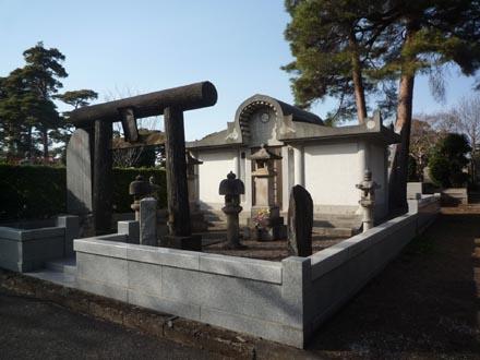 お寺の様な墓