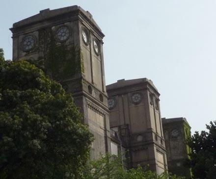 横浜競馬場一等馬見所②
