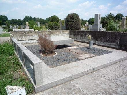 岸田今日子さんのお墓①