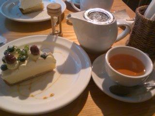 ケーキと紅茶のセット@pipn cafe