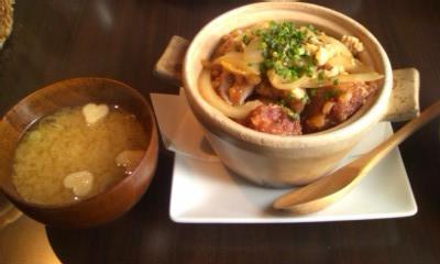からあげ丼とハートの麩の味噌汁@Tsubaki CAFE