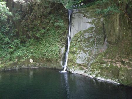 7布曳きの滝