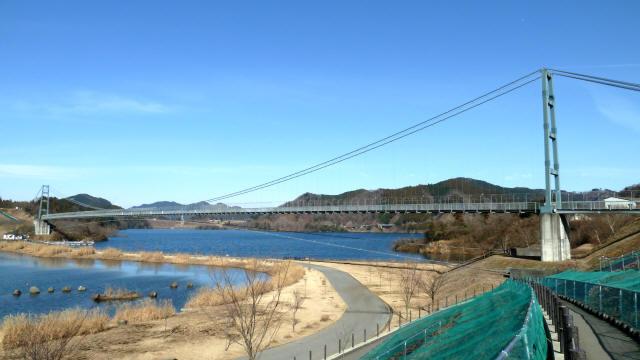 水の郷大つり橋8