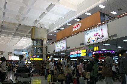 こちら、松山空港。しょっぱい感じですが。