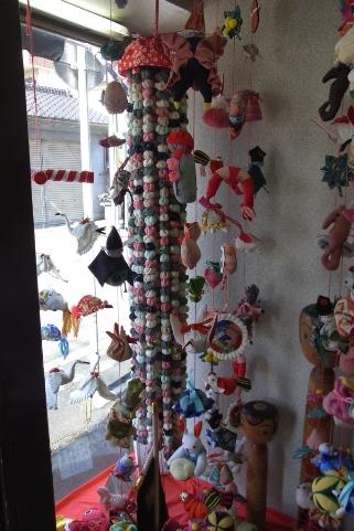 石塚洋品店の千猿吊るし雛