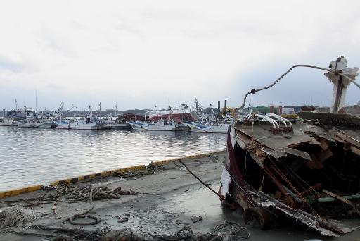 倒壊した漁船